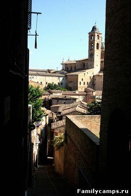 Урбино (Urbino).